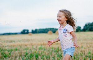 Read more about the article Je CBD pre deti bezpečné? V akej forme je vhodné a v ktorej vôbec?