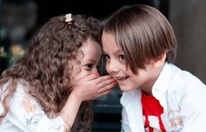 Read more about the article CBD pre deti: Kedy môže naozaj pomôcť? Ako dávkovať CBD deťom?